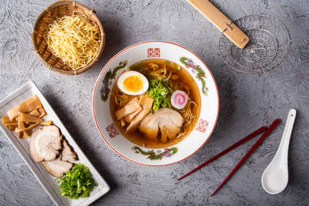 authentic japanese ramen noodle from top view Imagens