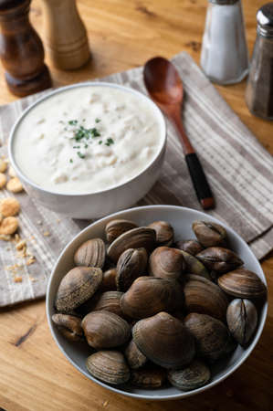 clam chowder with fresh clam and oyster cracker Stok Fotoğraf