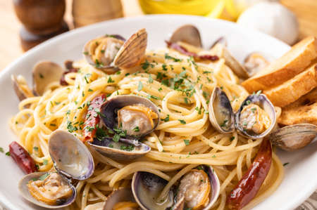 Vongole Blonco, pasta with clam shellfish