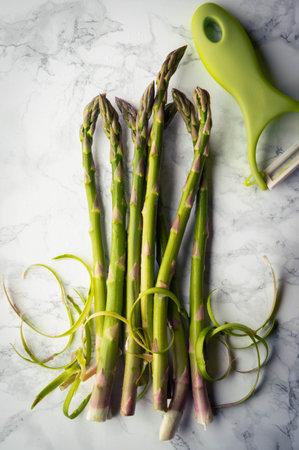 fresh vegetable image, asparagus with peeled skin Stockfoto