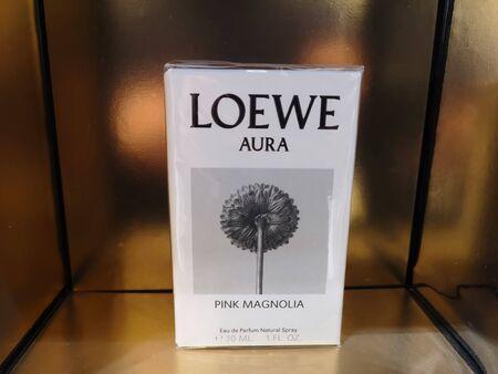Loewe Aura Pink Magnolia female perfume water flavor for sale January 15, 2020 at a shopping mall in Russia, Kazan, Ibragimov Avenue 56 에디토리얼