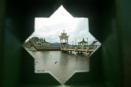barge: The replica barge of 16th century Sultan Bolkiah Mahligai Barge in Bandar Seri Begawan, Brunei Darussalam