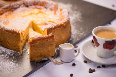 커피와 크림 치즈 양귀비 케이크