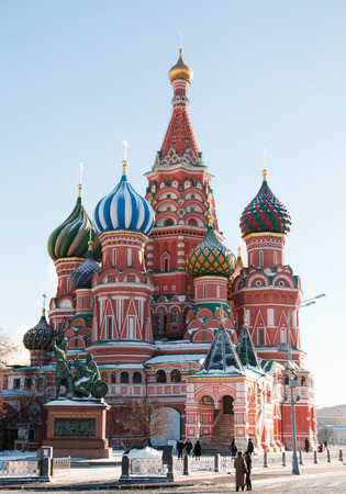 st basil s cathedral: MOSCOW - JAN 17  St  Basil s Cathedral and monument to Minin and Pozharsky on Red Square in Moscow Editorial