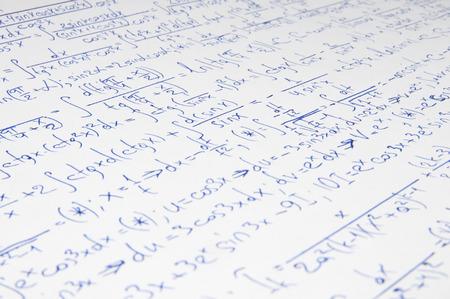 teorema: Cálculo manuscrita de matemáticas superiores como fondo