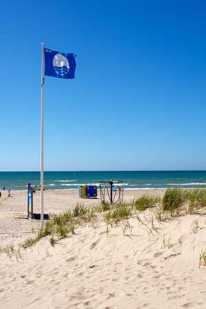educazione ambientale: La Bandiera Blu � una certificazione dalla Foundation for Environmental Education che una spiaggia o una marina incontra i suoi standard rigorosi.