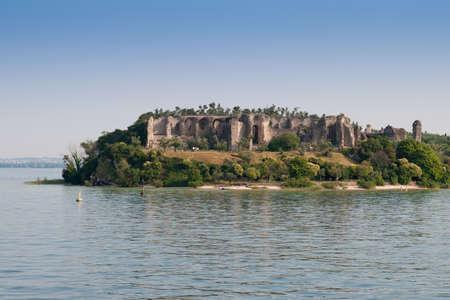 edifice: Sirmione, Lake Garda. Italy. wiev on ruins of Grotto of Catullus,Roman private edifice Stock Photo
