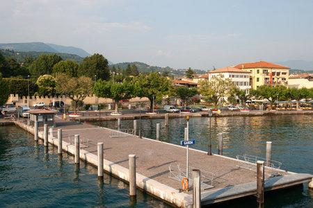 garda: Ferry Pier Village Garda, Lake Garda, Italy