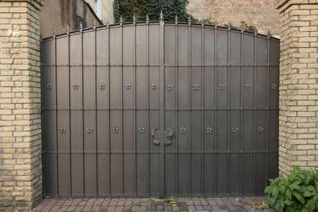 decoratieve metalen poort