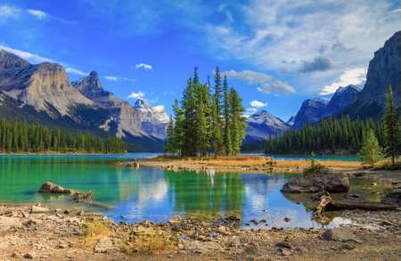 Maligne Lake in Jasper natioanal Park, Alberta, Kanada