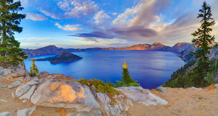 crater lake: Crater Lake National Park in autumn, Oregon, USA