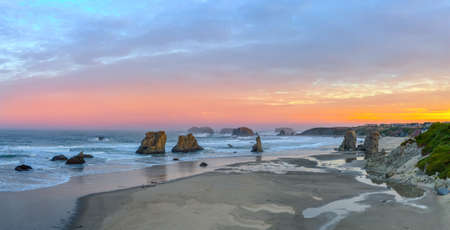 beach panorama: Panorama of Bandon Beach from the Face Rock State Scenic Viewpoint in Bandon, Oregon