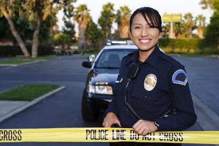 femme policier: La ligne de police Banque d'images