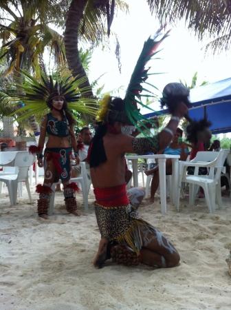 Représentation rituel aztèque. Azteca Ceremonia. Banque d'images - 20664900