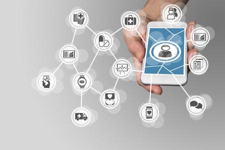 pacientes: e-salud digital con el fin de conectar a los pacientes a los servicios médicos a través de teléfonos inteligentes Foto de archivo