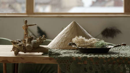 Traditional Asian hat and decorative accessories on table Stock fotó