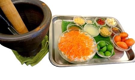 carot: making of green papaya and carot salad
