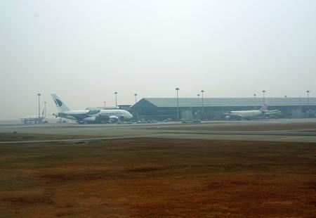 747 400: KUALA LUMPUR INTERNATIONAL AIRPORT KLIA, Sepang, Malesia - 12 marzo aereo Malaysia Airlines Boeing 747-400 taxi all'aeroporto di KLIA su 12 marzo 2014 in KLIA, Sepang, in Malesia Editoriali