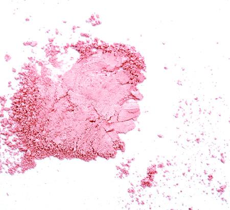 maquillaje de ojos: Maquillaje mejillas y ojos. Polvo cosm�tico rosa sobre fondo blanco