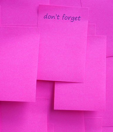 not forget: sticky note with do not forget Stock Photo