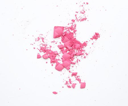 cosmeticos: Maquillaje mejillas y ojos. Polvo cosmético rosado en blanco