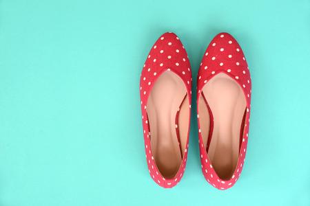 zapato: zapatos planos, con el patrón punteado polca Foto de archivo
