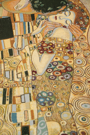 BURANO, VENICE - April 13, 2015: Gustav Klimt inspired abstract art, lace trace on fabric sale in Burano island, Italy. 新聞圖片