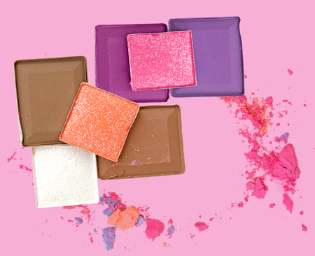loose skin: Colorful Decorative cosmetics on pink background. Top view
