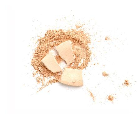 tine: Make-up crushed powder isolated on white background