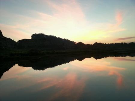 trillium: Mountain at sunset