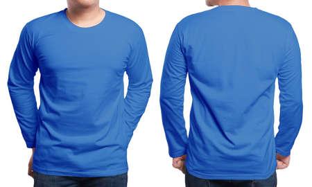 블루 긴 소매 티셔츠, 전면 및 후면보기, 절연. 남성 모델은 일반 해군 파란 셔츠 모형을 착용하십시오. 긴 소매 셔츠 디자인 템플릿입니다. 인쇄용 블랭크 티셔츠