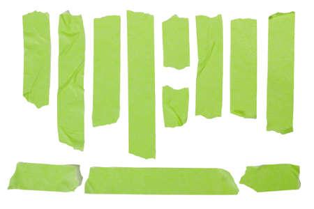 gescheurde groene afplakband set collectie op wit wordt geïsoleerd