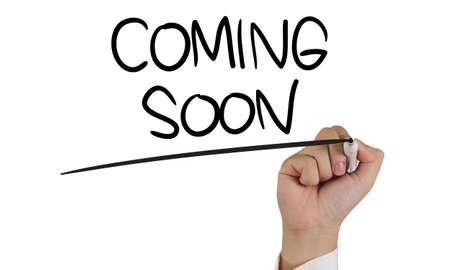 Próximamente, en breve, pronto. Palabras de marketing empresarial inspirador motivacional cotizaciones concepto de tipografía de letras Foto de archivo