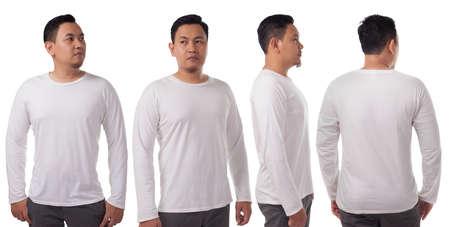 Weißes langärmeliges T-Shirt Mock-up, Vorder- und Rückansicht, isoliert. Männliches Model trägt ein schlichtes weißes Hemdmodell. Designvorlage für Langarmhemden. Blanko-T-Shirts zum Drucken Standard-Bild