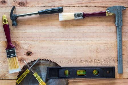 carpintero: Herramientas del carpintero de a bordo de la madera