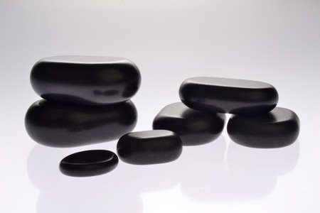 sassi: sassi neri per trattamenti estetici Stock Photo