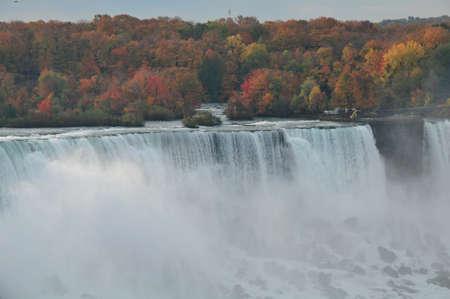 アメリカ滝ニューヨークで落ちる