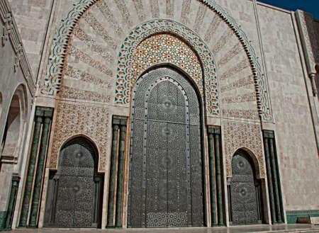 3 入学カサブランカ、モロッコのエルのハッサム 2 世モスクへの扉 写真素材