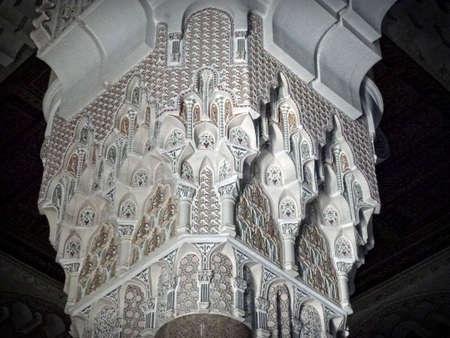 カサブランカのエル Hassan モスクの柱 報道画像
