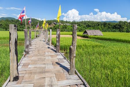 タイの祖のトング pae 最長竹橋 写真素材