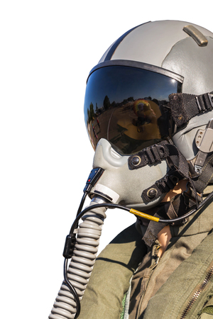 Militaire vechter piloot uniform op zwarte achtergrond geïsoleerd op een witte achtergrond