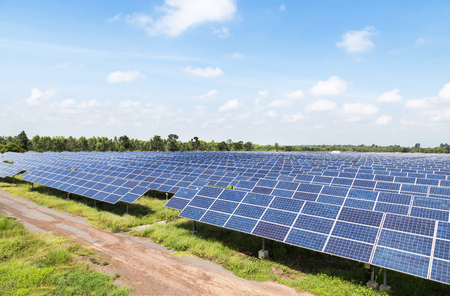 solar cells in power station alternative renewable energy from the sun Banque d'images