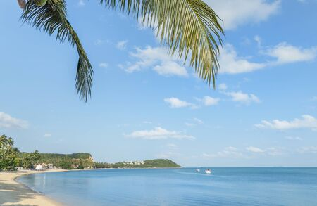 Landscape view empty tropical beach in afternoon time at Koh Samui island, Surat Thani province, Thailand 免版税图像