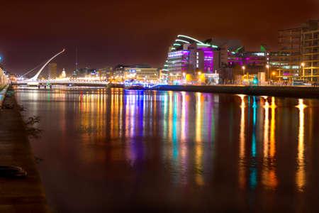 liffey: View of Liffey river at night in Dublin, Ireland