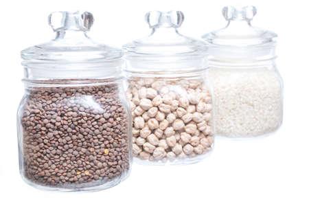 leguminosas: Primer plano de legumbres frasco aislado en fondo blanco Foto de archivo