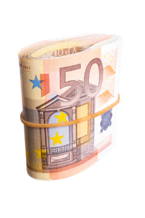 billets euros: Cinquante billets en euros bend isol�s sur fond blanc