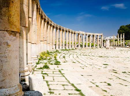 Oval Plaza ancient columns in Jerash, Jordan Stock Photo