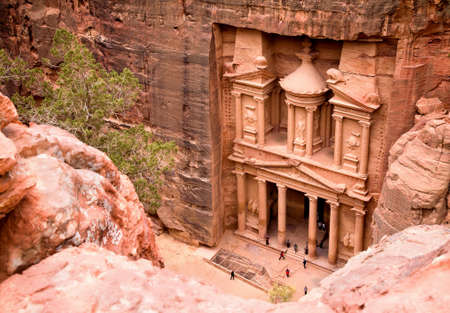 petra: The Treasury. Ancient city of Petra carved out of the rock, Jordan Stock Photo
