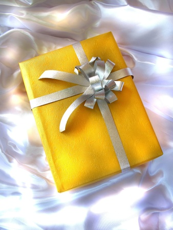 colden: yellow gift