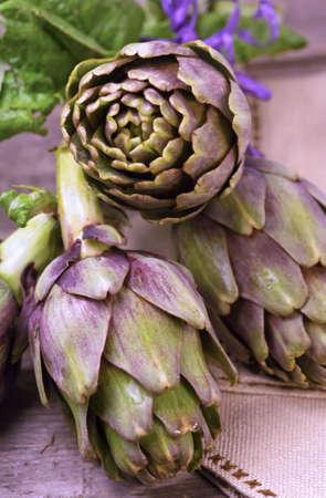 vitamines: Closeup organic artichokes